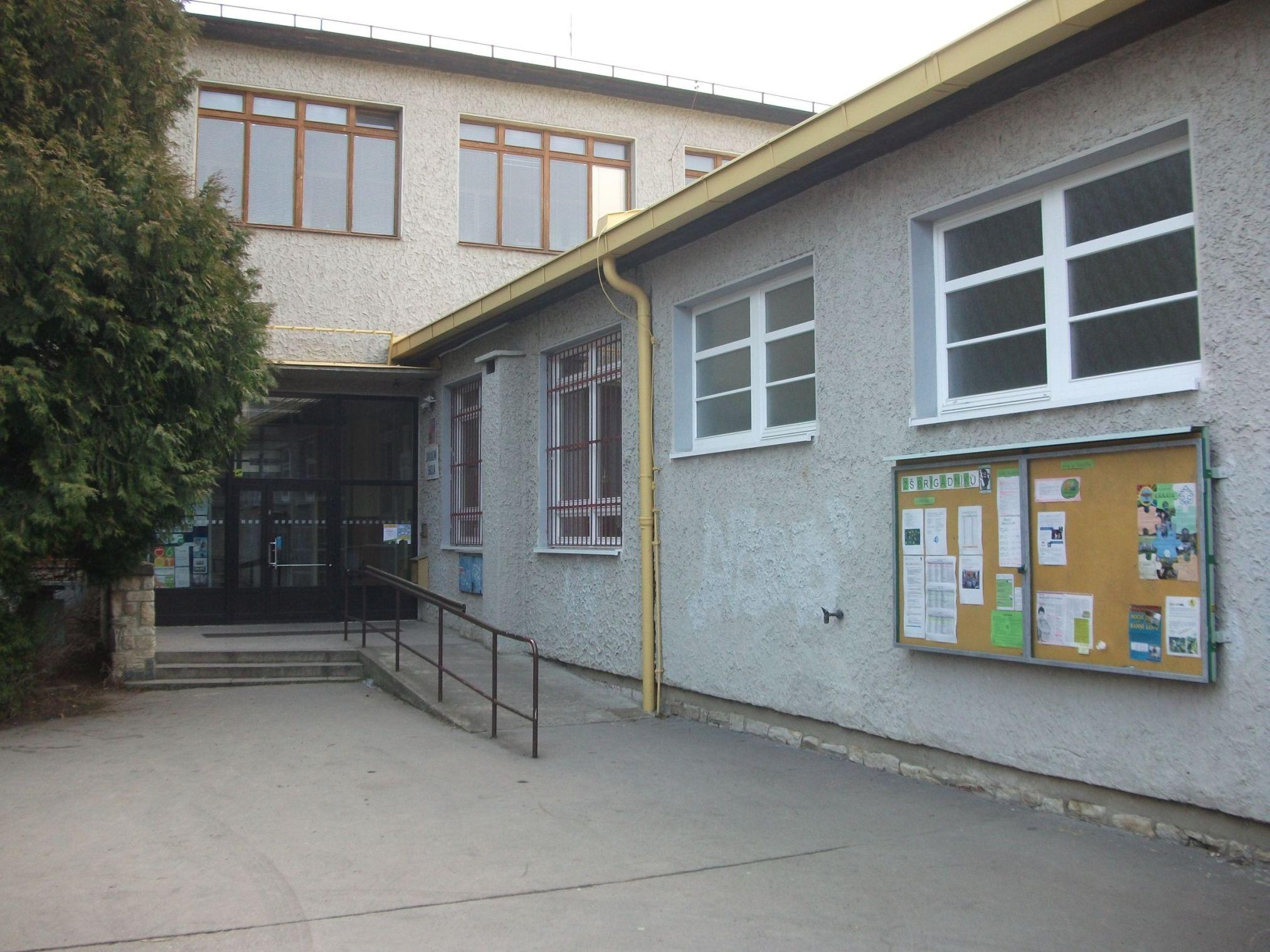 Brigadniku-Praha-Primary-school-in-Slovakia1