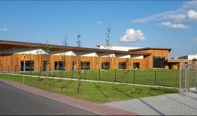 Lady-Sue-Ryder-Elementary-School-In-Poland-0