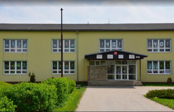 Zborov-Elementary-School-in-Slovakia-1